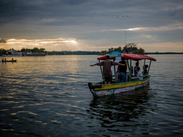 Lancha on Lago Peten