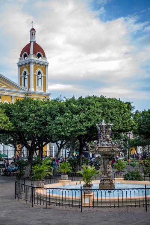 Kirchenvorplatz in Granada